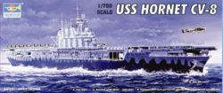 trumpeter 05727 USS Hornet CV-8 1/700 Kit en plástico para montar y pintar. Permite la opción de exponerlo con el casco completo o por la linea de flotación