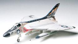 tamiya 61055 Douglas F4D-1 Skyray Kit en plástico para montar y pintar. escala 1/48