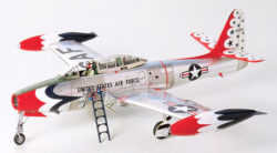 tamiya 61077 Republic F-84G Kit en plástico para montar y pintar.