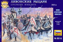 zvezda 8016 Livonian Knights XIII ad 1/72 Kit en plástico para montar y pintar. Incluye 9 figuras a caballo y 24 a pie en 12 posturas distintas.