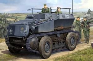HOBBY BOSS 82491 Sd.Kfz.254 Tracked Armoured Scout Car Kit en plástico para montar y pintar. Incluye cadenas por eslabones individuales y fotograbados.