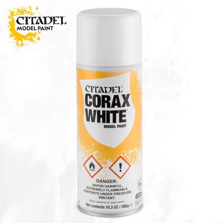 Citadel Spray Corax White 400ml El spray Corax White está diseñado para aplicar una capa de imprimación de color blanco roto a miniaturas de plástico, resina y metal. Es una manera rápida de dar una capa de color uniforme a las miniaturas.