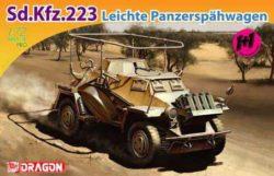 Sd.Kfz.223 1+1 1/72 Kit en plástico para montar y pintar. Incluye fotograbados. Piezas para montar dos vehículos completos.