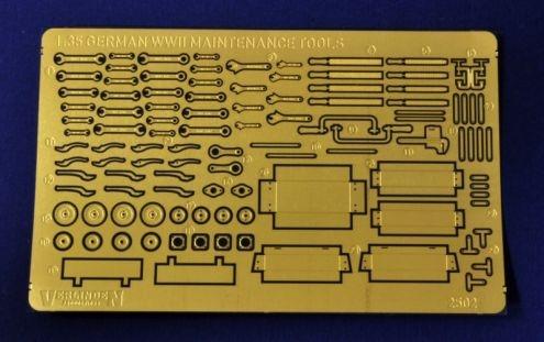 German maintenance tools WWII 1/35 Caja de herramientas y herramientas alemanas SGM, en metal fotograbado.