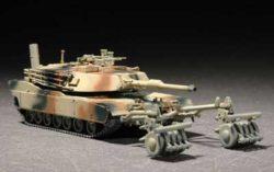 M1A1 w/ mine roller setKit en plástico para montar y pintar.