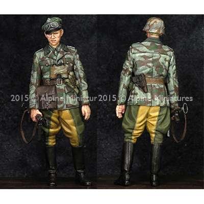 alpine 35193 German Grenadier Officer