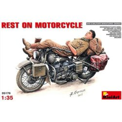 miniart 35176 Harley-Davidson Rest on Motorcycle