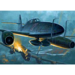 hobby boss 80379 Messerschmitt Me262 B-1a U1 El Messerschmitt Me262 fue el primer caza a reacción operacional del mundo, La versión B-1a/U1 era un avión de entrenamiento adaptado en forma provisional como caza nocturno utilizando radar FuG 218 Neptuno.
