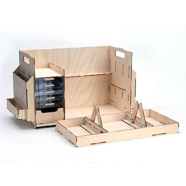 Artesania Latina Mesa de Trabajo Fabricado en madera de tilo lo hace y ligero robusto a la vez y unido a sus dimensiones óptimas lo hacen realmente portátil.