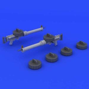eduard brassin 648204 Ametralladoras Lewis Mk II WWI 1/48 El set consta de dos Ametralladoras Lewis Mk II t seis cargadores. Piezas en resina y fotograbado. Piezas total 14.
