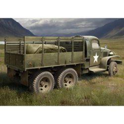 hobby boss 83832 US GMC CCKW-352 Wood Cargo Truck El GMC CCKW es un camión de 2.5 ton y 6X6 del U.S. Army que estuvo en servicio durante la 2ª Guerra Mundial y la guerra de Corea, era conocido entrte la tropa como -Deuce and a Half- o –Jimmy-.