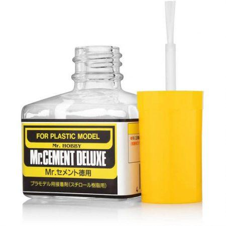 MC127 Mr Cement Deluxe 40ml Adhesivo de Poliestireno Pegamento líquido para las maquetas de plástico. Densidad media y evaporación lenta.
