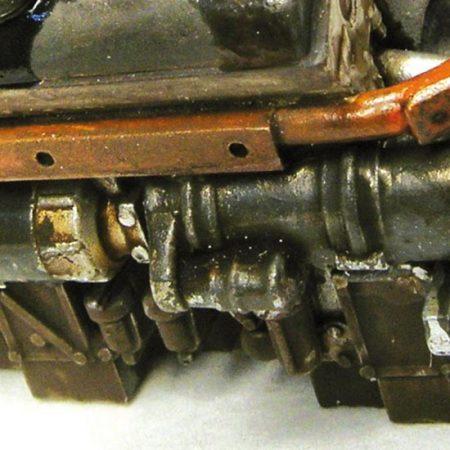 acrylicos vallejo 73818 Hollín de Motor Una matiz marrón, resultado de suciedad acumulada, restos de lubricante y polvo, observado sobre las mamparos de motor, las paredes de sus compartimentos y los bajos de los camiones y vagones de tren.