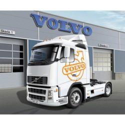 italeri 3907 Volvo Fh16 520 Sleeper Cab 1/24 Kit en plástico para montar y pintar. Longitud 240mm