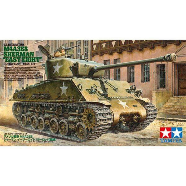 tamiya 35346 US M4A3E8 Sherman Easy Eight Kit en plástico para montar y pintar. Incluye 1 figura de comandante de carro.