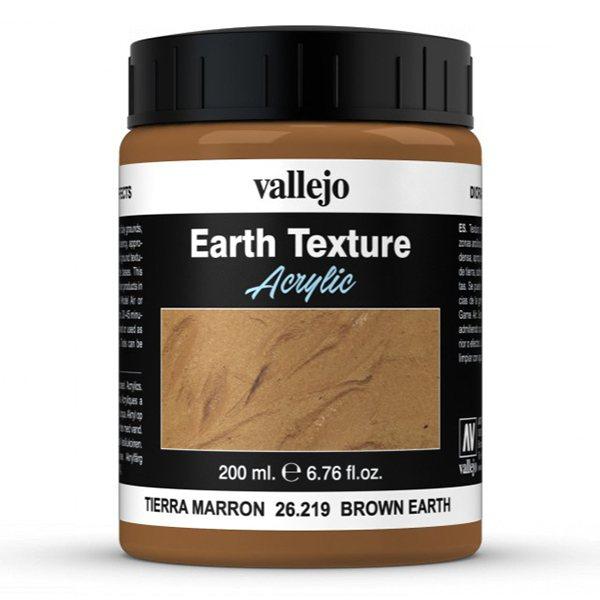av26219 Tierra Marrón Brown Earth Tiene un matizmarrón propio de zonas arcillosas, de consistencia espesa y densa, apropiado para reproducir texturas de tierra, sobre bases de dioramas o viñetas. Presentación en bote de 200 ml.