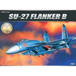 academy 12270 Sukhoi Su-27 Flanker B Kit en plástico par amontar y pintar. Incluye piezas en fotograbado. Hoja de calcas para 1 decoración.