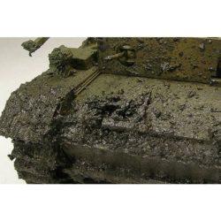 av26808 Barro Ruso Denso Russian Thick Mud Un matiz especialmente oscuro y denso que incluye trazas de vegetación para aportar mayor realismo. Se localiza en terrenos especialmente fértiles del sur de Rusia y es conocido como -tierra negra- en Ucrania.