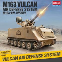 academy 13507 M163 Vulcan Air Defense System kit en plástico para montar y pintar. Incluye piezas en fotograbado.
