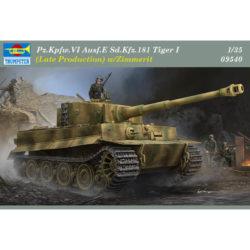 trumpeter 09540 Pz.Kpfw.VI Ausf.E Sd.Kfz.181 Tiger I Late Production w/Zimmerit Kit en plástico para montar y pintar. Incluye piezas en fotograbado, textura de zimmerit y cadenas por eslabones individuales. Hoja de calcas con 5 decoraciones