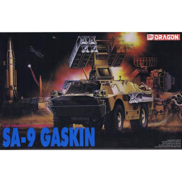 Soviet SA-9 GASKIN Kit en plástico para montar y pintar del vehículo soviético SA-9 GASKIN. Piezas 160+