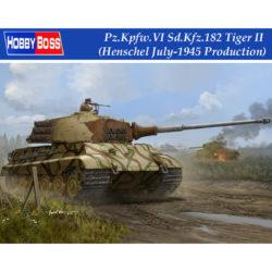 hobby boss 84533 Pz.Kpfw.VI Sd.Kfz.182 Tiger II Henschel July 1945 Production Kit en plástico para montar y pintar. Incluye fotograbados, cañón torneado en metal y cadenas por eslabones individuales.