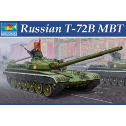 trumpeter 05598 Russian T-72B MBT Kit en plástico para montar y pintar. Incluye piezas en fotograbado y cadenas por eslabones individuales.