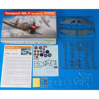 eduard -82122 eduard 82122 Tempest Mk. V series 2 profiPACK 1/48 Kit en plástico para montar y pintar de la serie profiPACK de Eduard. Incluye piezas en fotograbado y mascaras. Hoja de calcas deCartograf con 6 decoraciones
