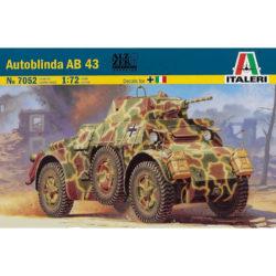 italeri 7052 Autoblinda AB 43 1/72 Kit en plástico para montar y pintar. Hoja de calcas con 3 decoraciones Italia y Alemania