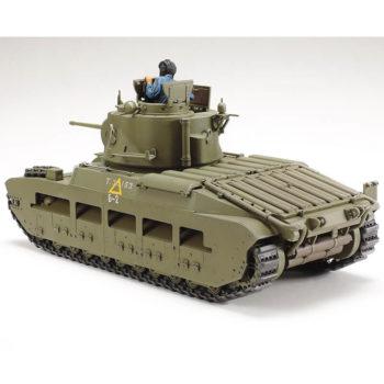 tamiya 35355 Infantry Tank Matilda Mk.III-IV Red Army kit en plástico para montar y pintar.Incluye 2 medias figuras del comandantamiya 35355 Infantry Tank Matilda Mk.III-IV Red Army kit en plástico para montar y pintar.Incluye 2 medias figuras del comandante y el conductor.te y el conductor.