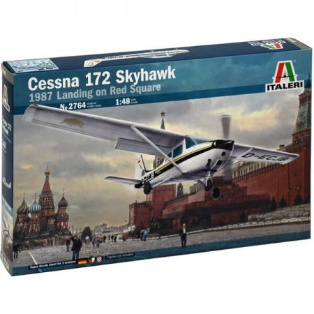 italeri 2764 CESSNA 172 SKYHAWK Aterrizaje en la Plaza Roja 1987 maqueta escala 1/48