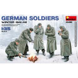 miniart 35218 German Soldiers Winter 1941-41 maqueta escala 1/35