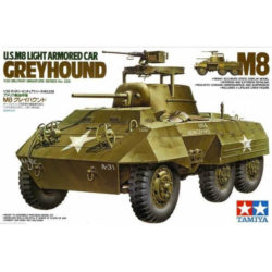 Tamiya 35228 U.S. M8 Light Armored Car Greyhound 1/35 Kit en plástico para montar y pintar.