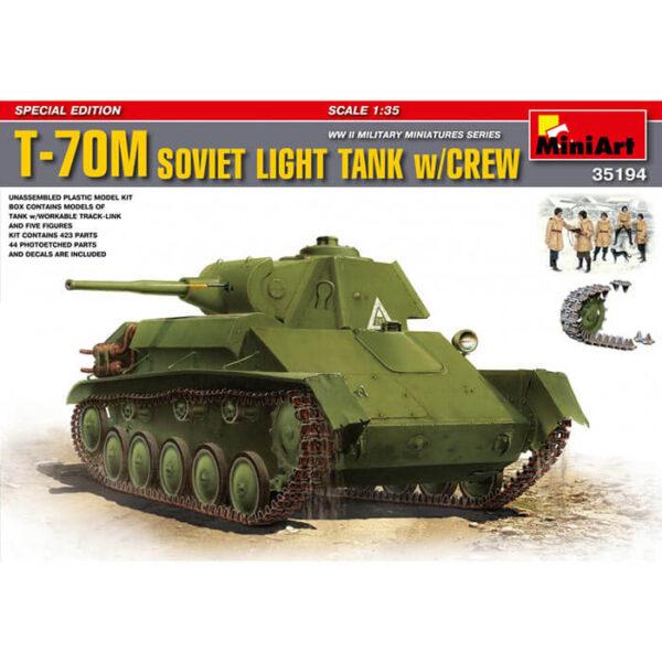 miniart 35194 T-70M Soviet Light Tank with Crew 1/35 WWII Military Miniatures Series Kit en plástico para montar y pintar. Incluye piezas en fotograbado y cadenas por eslabones individuales. Incluye 5 figuras de carristas soviéticos en uniforme de invierno.