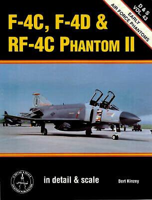 8243 F-4C, F-4D & RF-4C Phantom II