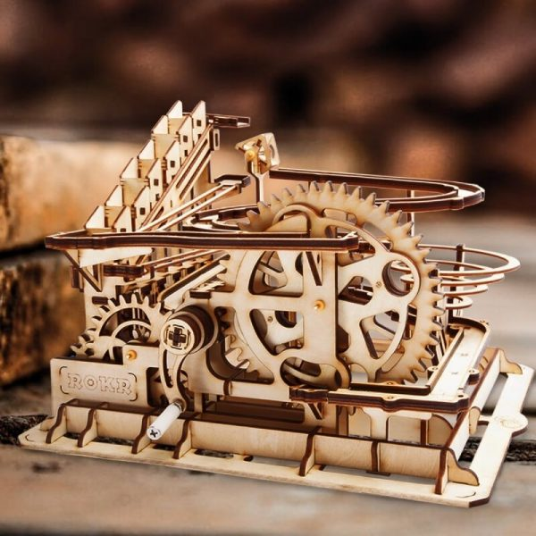 Marble Parkour Montaña Rusa para canicas Monta y disfruta de esta maravilla de la ingeniería de 254 piezas.