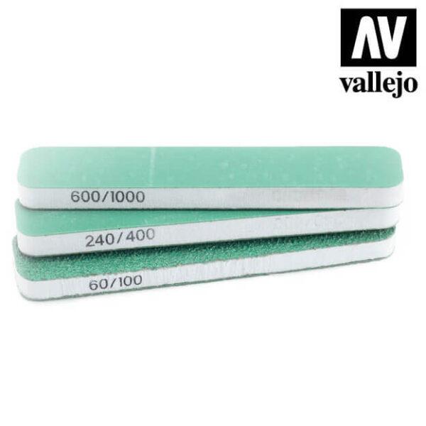 vallejo T04001 Set de 3 Lijas Flexibles Doble Grano 90x19x6 mm Set de tres tacos de lija de doble cara, lavables y reutilizables.