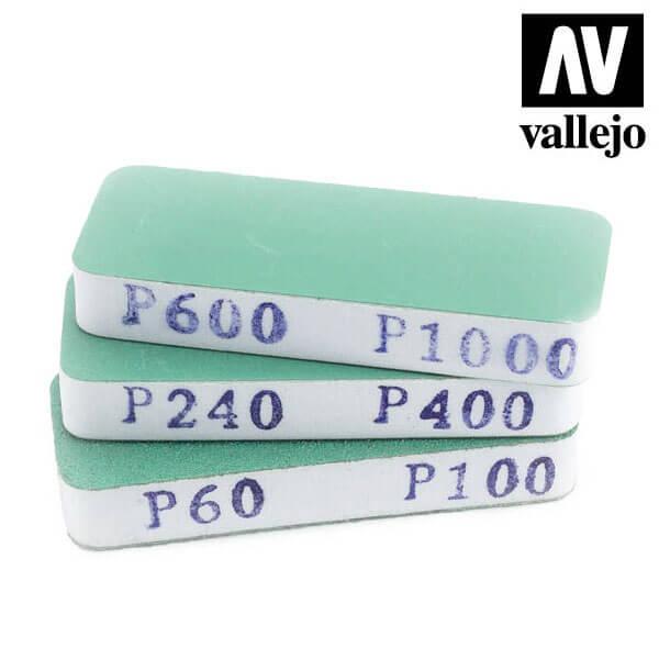 vallejo T04004 Set de 3 Lijas Flexibles Doble Grano 80x30x12 mm Set de tres tacos de lija de doble cara, lavables y reutilizables.