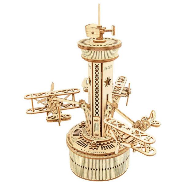 robotime rokr AMK41 Torre de control y aviones Caja de música ROKR Kit en madera para montar esta torre de control con 3 biplanos de 255 piezas. Montaje sin pegamento, únicamente ensamblando sus piezas.