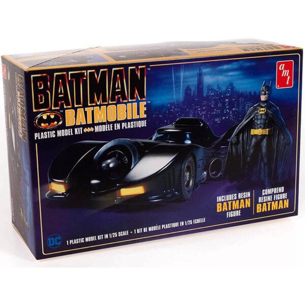 AMT1107 Batman 1989 Batmobile 1/25 With resin Batman Figure Kit en plástico para montar y pintar. Está inyectado en plástico negro con piezas cromadas y neumáticos de goma. Incluye una figura de resina del propio Batman.