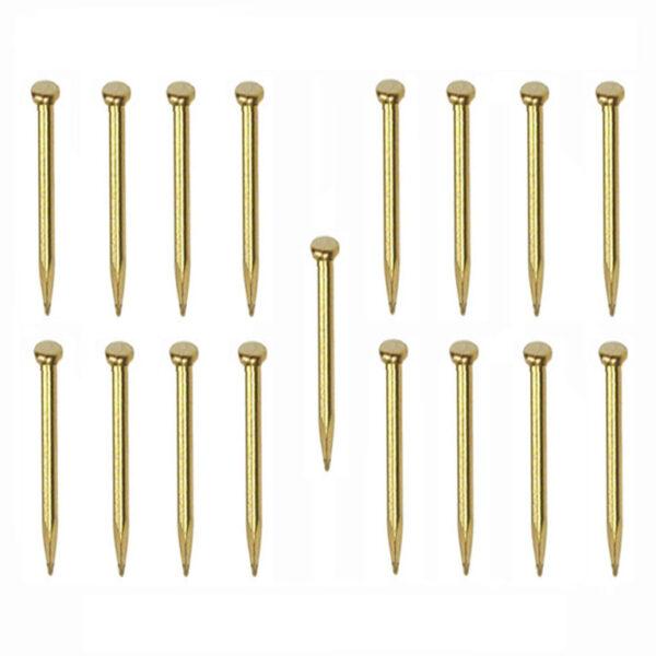 AMATI 4134 Clavos de latón con cabeza. Diámetro : 0,8 mm. Longitud : 7 mm. Pack de 200 unidades. Para trabajos de modelismo y restauración.