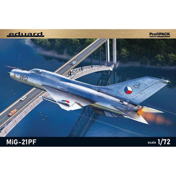 eduard 70143 MiG-21PF Fighter profiPACK Kit en plástico para montar y pintar de la serie profiPACK de Eduard. Incluye piezas en fotograbado y mascarillas. Hoja de calcas con 5 decoraciones. Escala 1/72